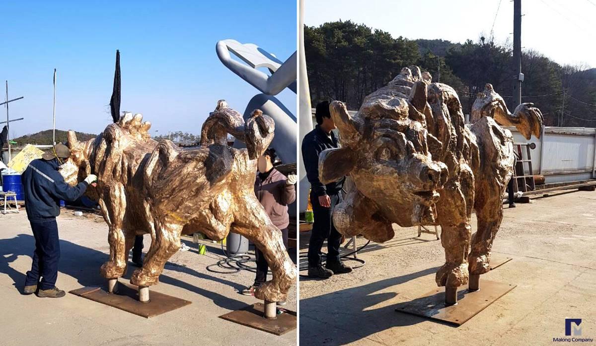 [청동 조형물 사례] 부산 이중섭거리 황소 브론즈 조형물 제작