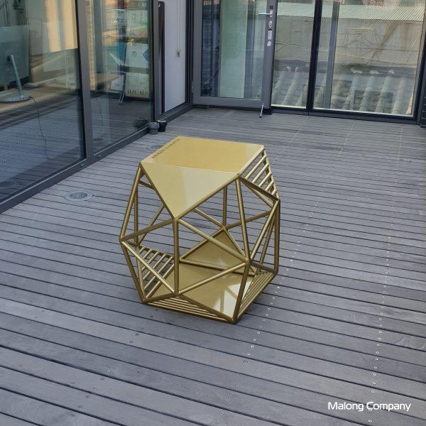 [2001_015] 서울주얼리지원센터 골드 벤치 금속 조형물